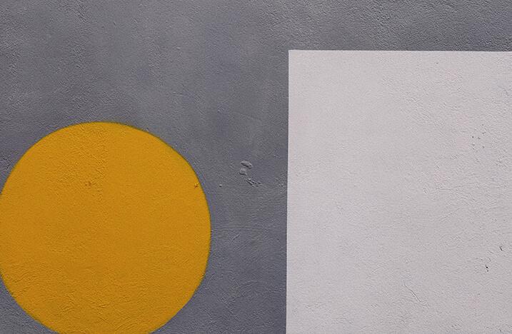 Orange Circle and White Square Thumbnail